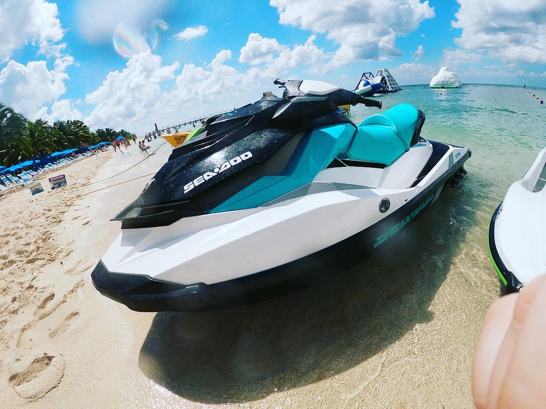 Jet Ski Ride - Activities - Things to do in Goa