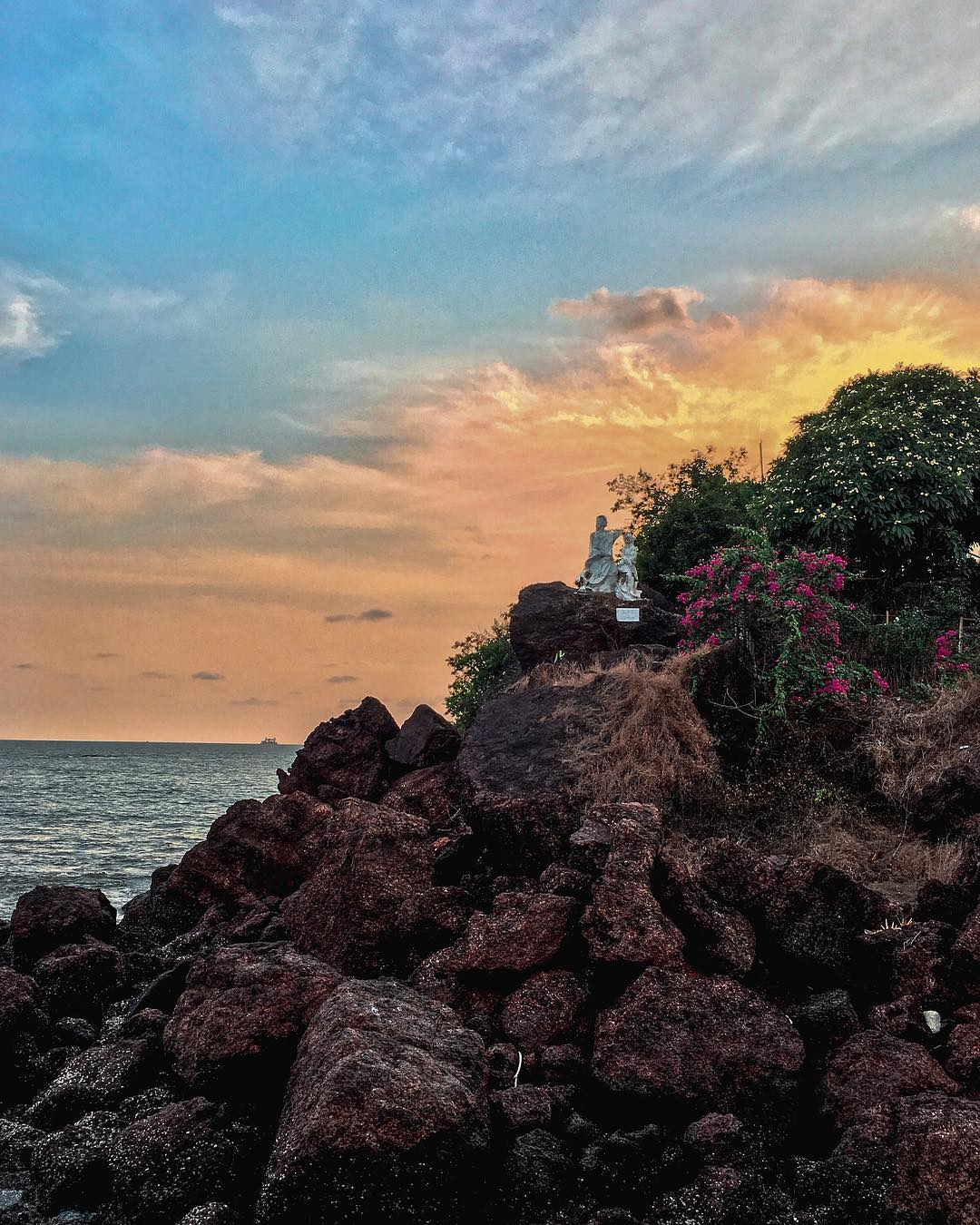 Dona Paula Beach - North Goa Beach
